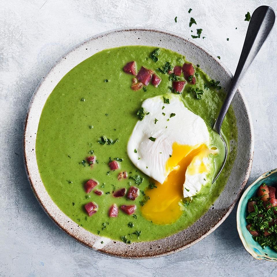 brokoļu un spinātu zupa