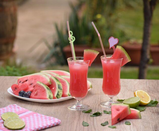 alkoholisks arbūza kokteilis