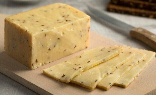 Jāņu siers ar ķimenē