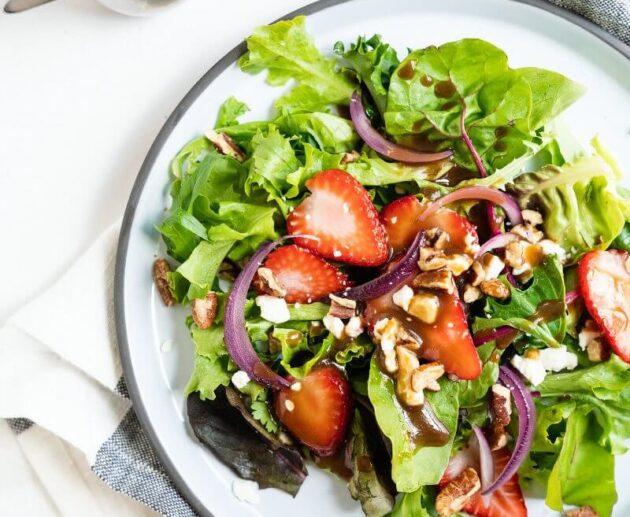 Zemeņu salāti