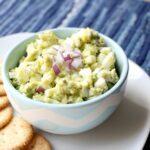 olu avokado salāti